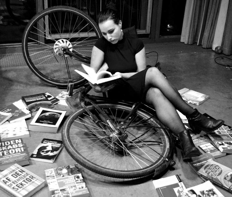 Julie Sand Motzfeldt (billedet) mener, at der er plads til forbedringer i det studieorienterede praktikforløb.
