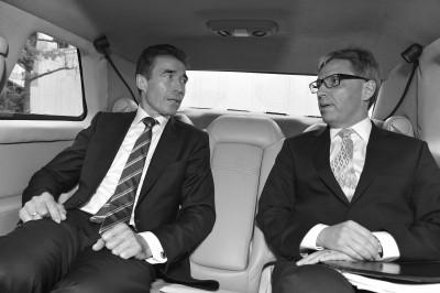 Anders Fogh Rasmussen og Jesper Vahr. Foto: NATO PDD